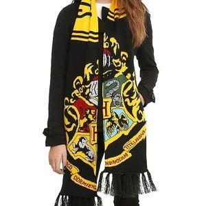 Harry Potter Hogwarts Crest Knit Scarf